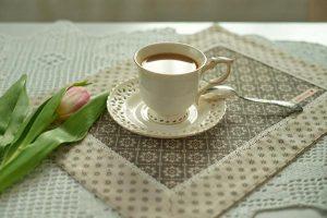 Romantyczne wyjście do kawiarni