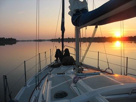 Rejs jachtem po mazurskich jeziorach
